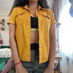Short sleeves button up shirt 🧡